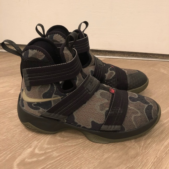 check out 20f6b ce8b2 Nike Zoom LeBron Soldier 10 - Camo